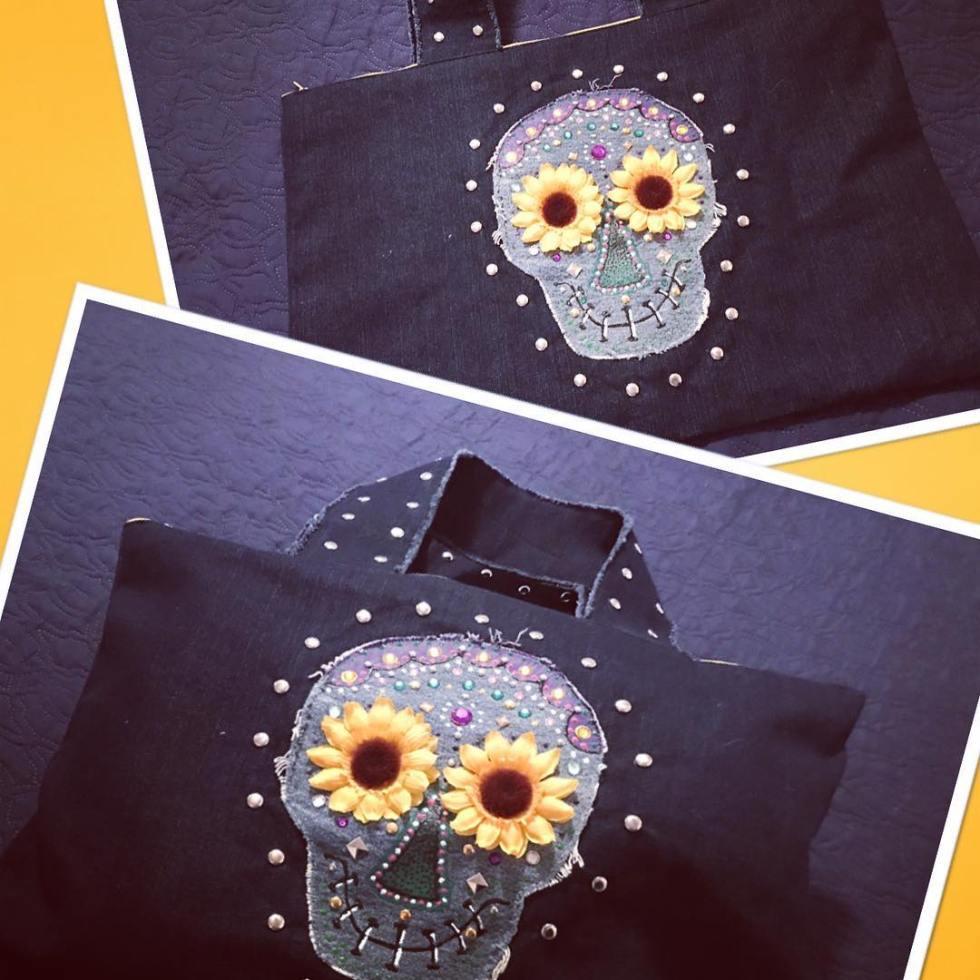 Dark blue bag with sunflower skull